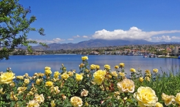 Lake Mission Viejo and Saddleback on perfect Day